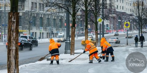 Куда жаловаться на неубранный снег?