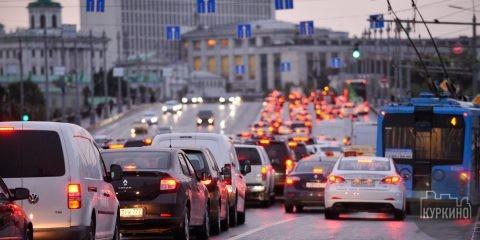 Жители Подмосковья помогут ликвидировать пробки на дорогах
