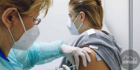 Вакцину «Спутник Лайт» испытают в столичных поликлиниках