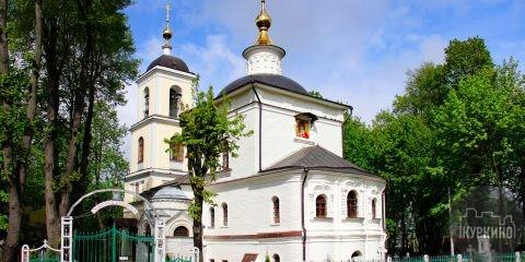 В храме Владимирской иконы Божией Матери освятили колокола