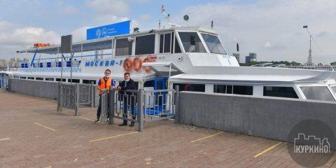 Регулярный речной трамвай заработал в Южном Тушино на маршруте Северный речной вокзал – Захарково. Почти 14 лет он не работал из-за плохого состояния причалов.